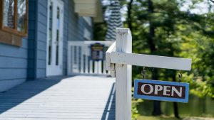 Muskoka Lakes Museum open sign