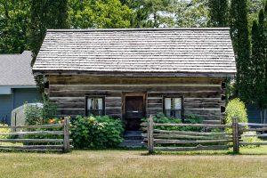 Muskoka Lakes Museum pioneer log cabin