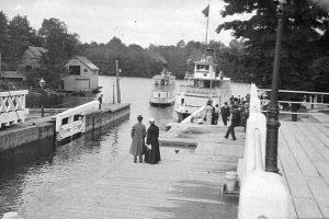 Steamer passengers in Port Carling, Muskoka, 1890